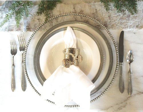 Creating_a_Beatufiul_Table_Setting_with_Place_Settings