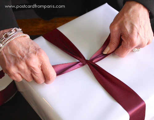 Wrap_a_Present-_Step_6-1